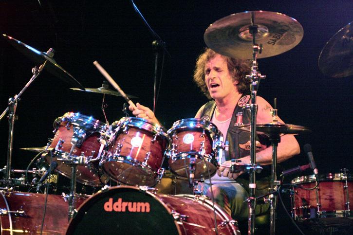 baterista-corky-laing-mountain